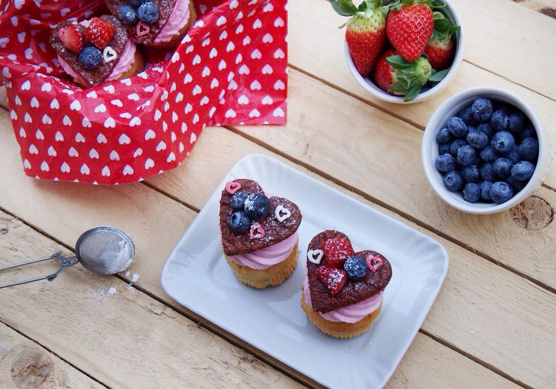 Dolci Da Credenza Bombe E Ciambelle : Pink love cupcakes u peramore