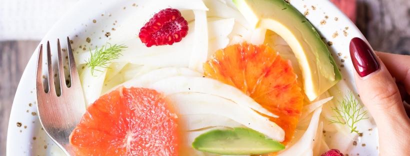 insalata di finocchi, pompelmo e avocado